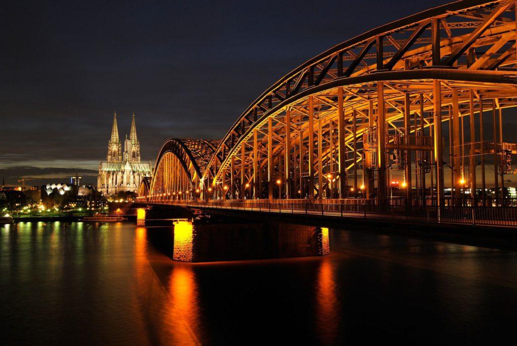Konzerte in Kneipen, Bars und Musikclubs in Köln, Bonn, Aaachen, LEverkusen und Umgebung
