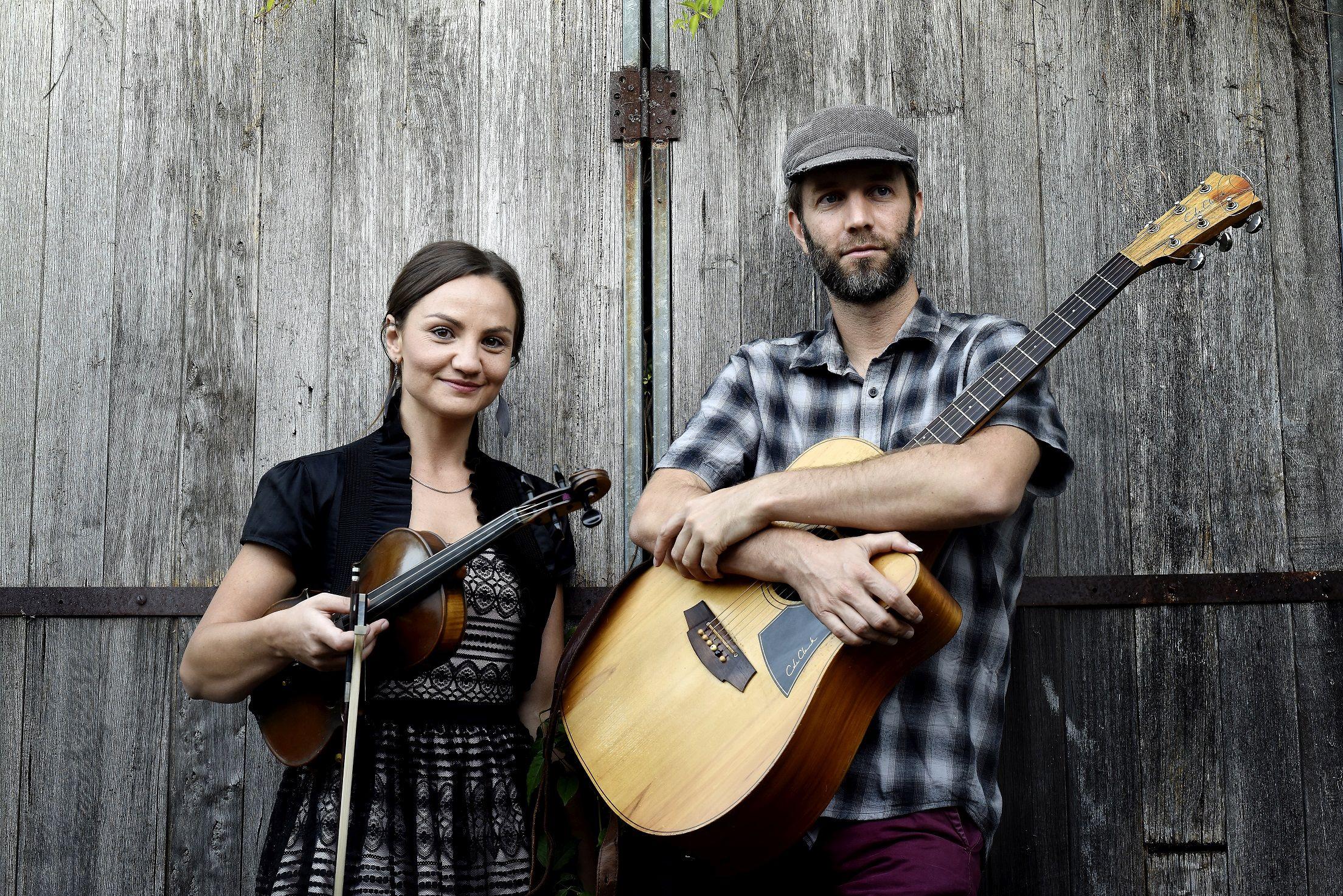Tim McMillan und Rachel Snow live im Filou Steinhude